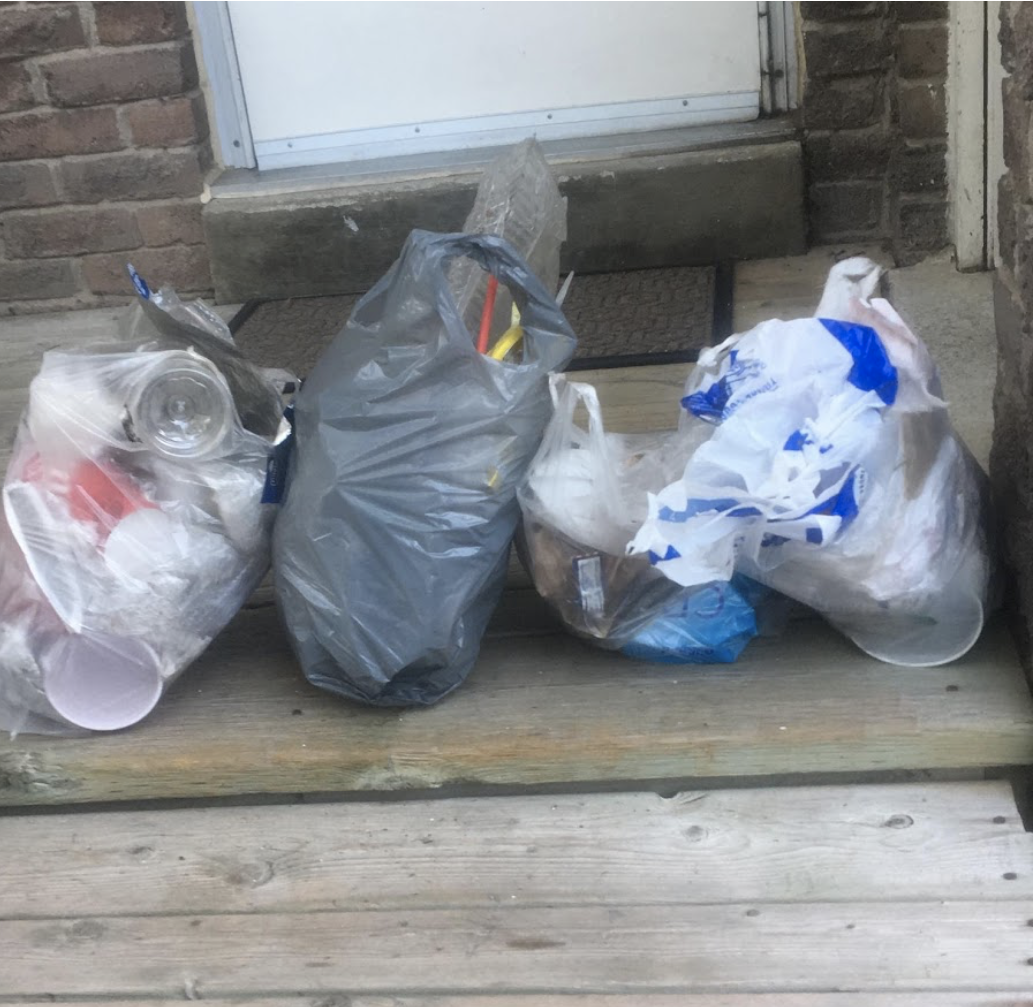 4 bags of litter filled in 40 minutes. Thats a problem!